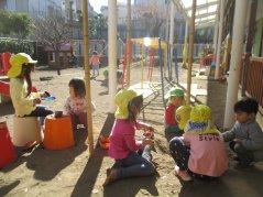 《わかば》園庭遊び -学びの宝庫ー